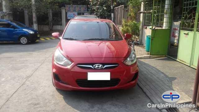 Pictures of Hyundai Accent Automatic 2012