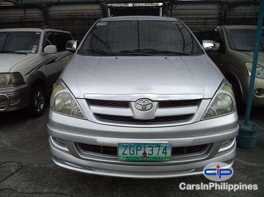 Picture of Toyota Innova Automatic 2000