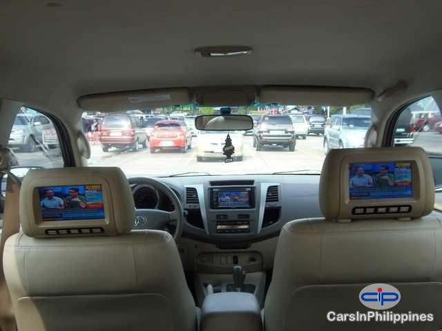 Picture of Toyota Fortuner Automatic 2009