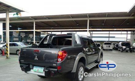 Picture of Mitsubishi Strada Automatic 2012